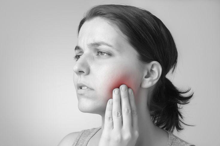 Remedios Naturales para el Dolor de Muela   Se dice que los dolores de pies y de muelas son los más horribles que existen. ¡Son realmente insoportables!  En el siguiente artículo de Siendo Saludable te contamos algunos de los remedios naturales para el dolor de muelas que realmente funcionan. ¡Pero no te salvarás de ir al odontólogo! Son para reducir los síntomas y que tu día no sea para el olvido  Link en la imagen!!!  #RemediosCaseros #SiendoSaludable #SiendoSaludableTips