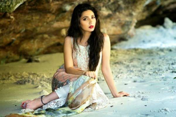 Know all the personal details of Mahira Khan - Her husband, reason for her divorce, her early life & everything about her career