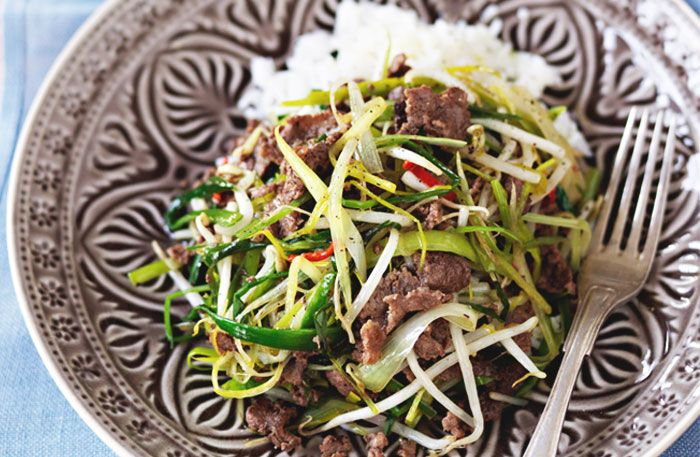 Recept på asiatiskt viltskav. Med chili, soja och sesamolja får älg- eller viltskav asiatisk touch. Tillaga gärna i wok.