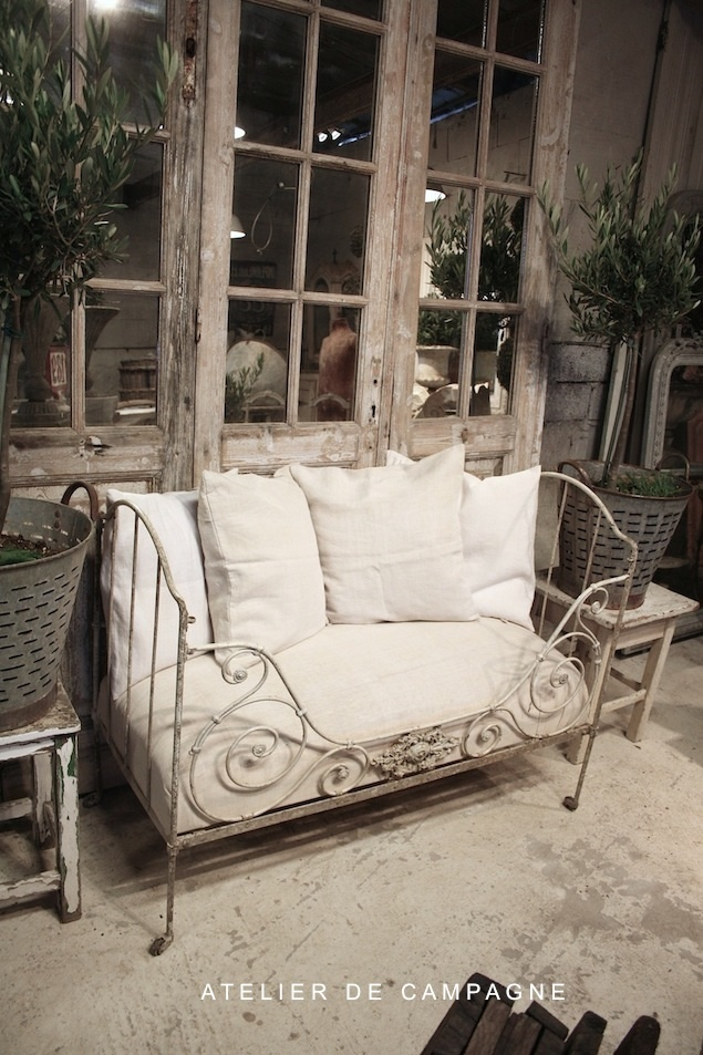 Small French Daybed - via Atelier de Campagne Antiques