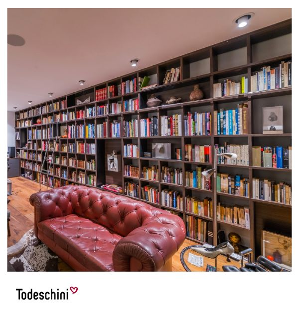 Bliblioteca para home office.  #Diseñodeinteriores #Decoración #Todeschini #ambientes #mueblesamedida #arquitectura #momentos