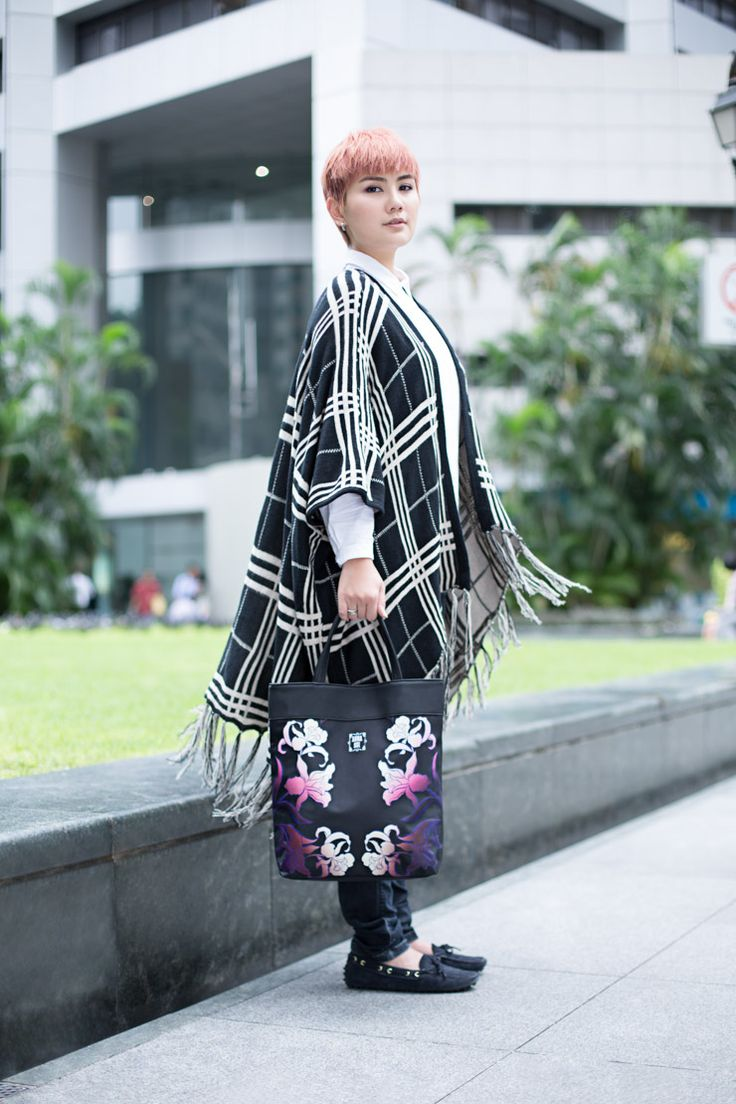 SHENTONISTA: UOB Cards x SHENTONISTA — Leading Lady, Peggy, Blogger & Entrepreneur, Anna Sui Tote Bag, in collaboration with Anna Sui. Vintage shawl, Rings from Bvlgari and James Allen. #shentonista #theuniform #singapore #fashion #streetstyle #style #ootd #sgootd #shentonway #wiwt #popular #people #male #female #womenswear #menswear #AnneSui #Bulgari #JamesAllen #UOB