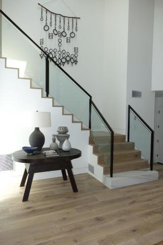 Sunset Idea House: Staircase