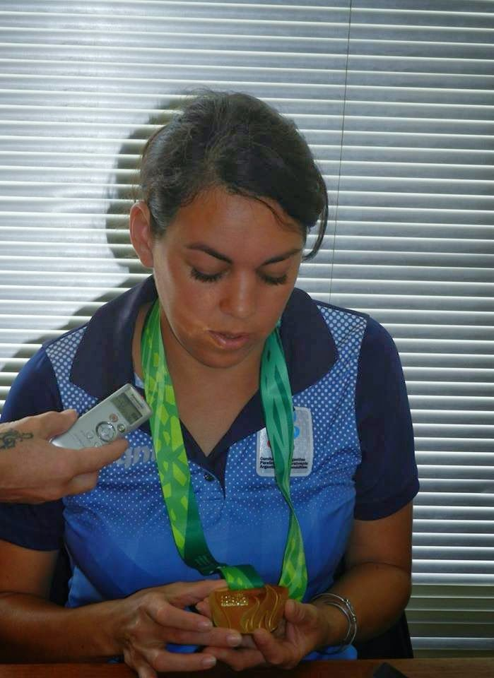 Mundo Deportes Embalse: ATLETISMO: MERECIDAS DISTINCIONES PARA ATLETA LOCA...