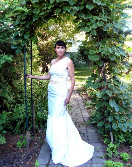 One shoulder silk dress, with rhinestone belt