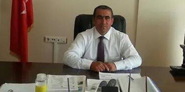 PKK Ak Parti İlçe Başkanını Önce Tehdit Etti Sonra Kaçırdı  Tuncelinin Mazgirt İlçesinde yakınlarında yol kesen bir grup PKKlı durdurdukları araçlardan birinin içerisinde bulunan Ak Parti Mazgirt İlçe Başkanı Süleyman Canpolatın aracına ateşe verdi. Daha sonra iddiaya göre Biz seni defalarca uyardık uyarılarımıza uymadın ve ilçe başkanlığı yapmaya devam ettin diyerek Canpolat kaçıran PKKlılar beraberindeki kişiyi ise serbest bıraktı.    MAZGİRT AK PARTİ İLÇE BAŞKANI    Dün saat 20.30…