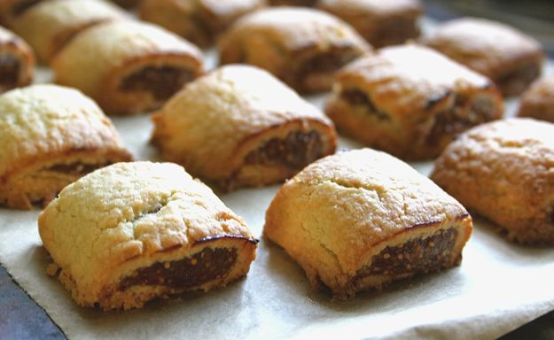 Festive fig rolls with walnuts | Aceline Entertainment