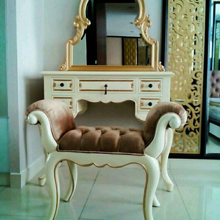 Meja rias duco | gallery Furniture andi | pengrajin mebel jepara | www.galleryfurnitureandi.com