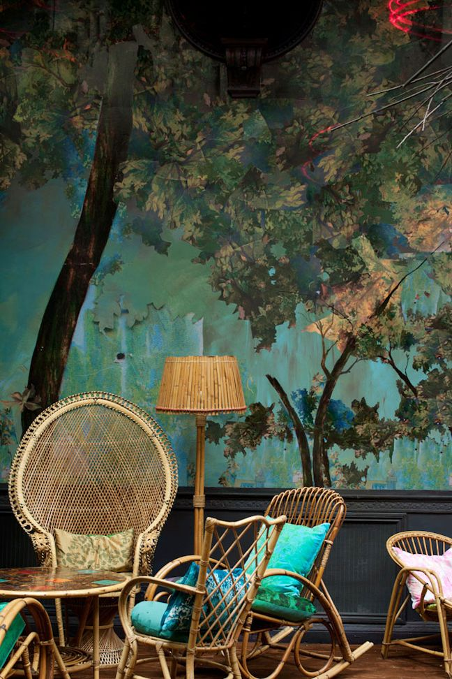 A mix of decoupage and hand-painted elements for a London bar, Glade. Designer: Carolyn Quartermaine, Artist: Didier Mahieu.