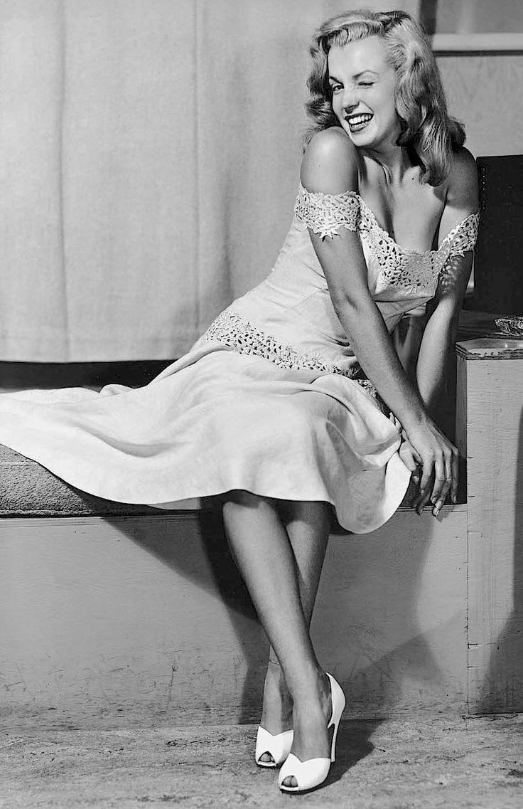 """missingmarilyn: """"Marilyn Monroe photographed by Earl Moran, 1946. """""""