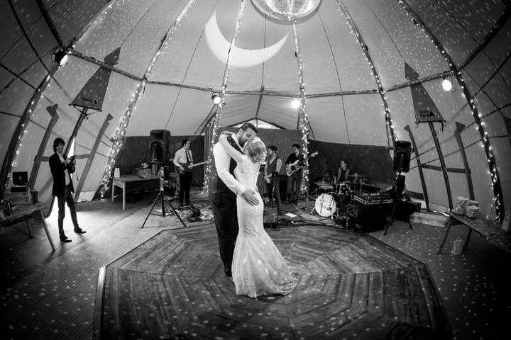 18 best tipi weddings images on pinterest tents weddings and boho wedding. Black Bedroom Furniture Sets. Home Design Ideas