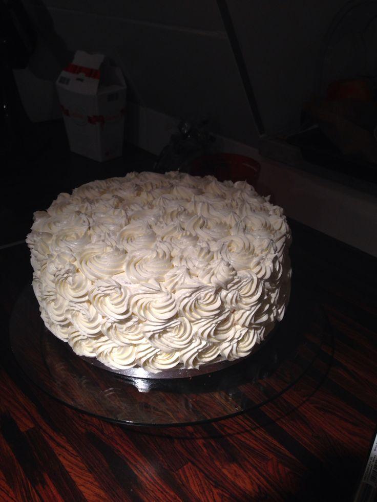 Torte zur Hochzeit / Raffaelo Füllung / Swiss Meringue mit Kokos
