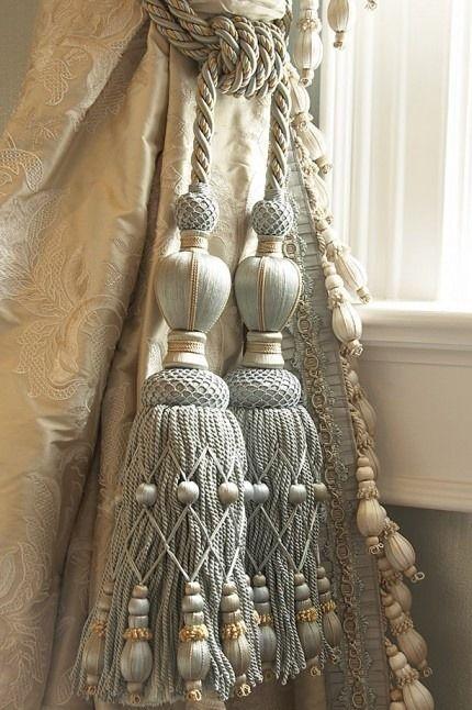 Elegant tassels for window drapes