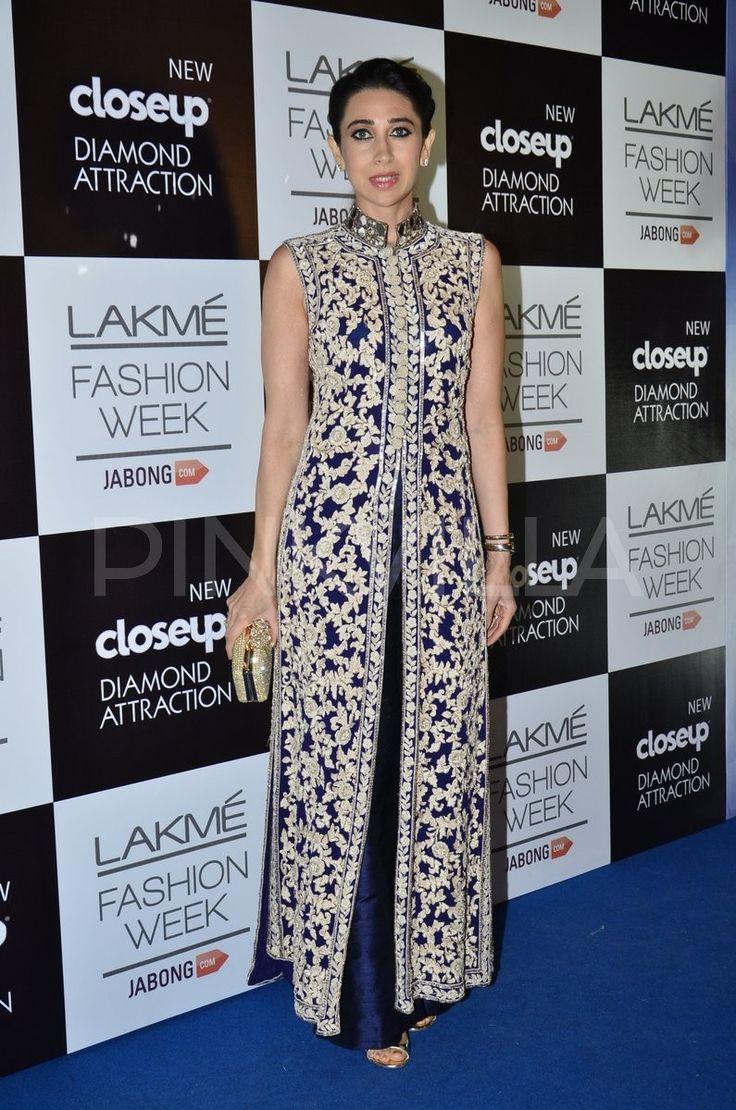 Karisma Kapoor cheers for sister Bebo at LFW