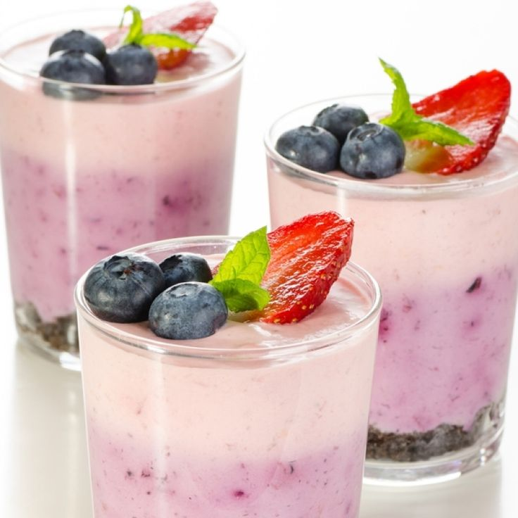 A very yummy recipe for fruit yogurt parfaits with chocolate crumbs and fresh berry garnish.. Fruit Yogurt Parfaits Recipe from Grandmothers Kitchen.