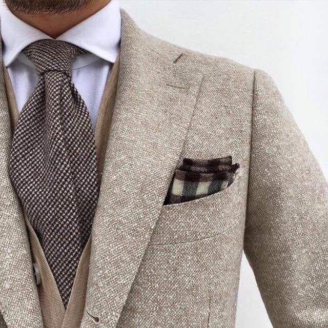 Inspiration för en gentleman. #sawyerstreetgoods #gentleman #presenttips #läderplånbok #exklusiv  #accessoarer #ägodelar #herrstil #herrmode #herraccessoarer #läderväska #inredningsdetaljer #plånbok #sedelklämma #penna