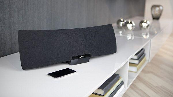 Test: Logitech UE Air Speaker  Reprosoustava pro iPhone se zvukem ze Švýcarska http://tech.ihned.cz/testy/c1-55751050