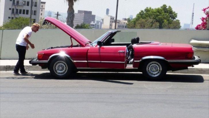 Brit Actor Craig Young's '84 Mercedes Breaks Down: Not The Jaguar F-Type? http://www.autoevolution.com/news/brit-actor-craig-youngs-84-mercedes-breaks-down-not-the-jaguar-f-type-84184.html