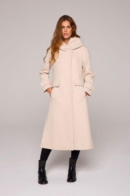 Long manteau beige avec grande capuche en laine bouillie #manteau #long #beige #capuche #laine #bouillie #femme #lenerfabriquedemanteau