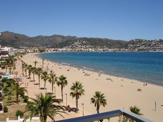 Roses - Costa Brava - Spain Beautiful beach! Summer 2011