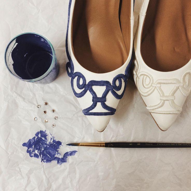 Wedding shoes ♥ Bride shoes ♥ Sapato de noiva ♥ #lapupa #bride #weddingshoes #shoes #handmade #handpainted #bride #vestidodenoiva #art #artshoes #brideshoes #weddingshoes #noiva #sapatodenoiva #wedding #inspiration #design #designshoes #bridal #bridalshoes #casamento #sapatos #sapato #pic #fotografia #photografy #savethedate #blue #azul www.lapupa.com.br