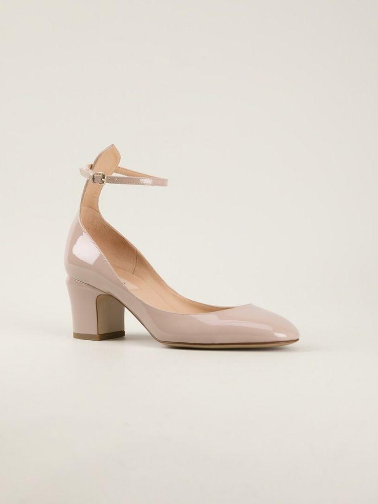 Chaussures de mariée petit talon - Escarpins Valentino Mary Jane Style - La Fiancée du Panda blog Mariage & Lifestyle