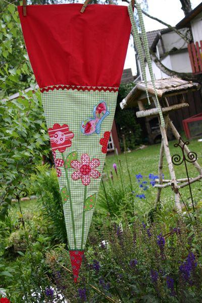 Schultüte+Blumenwiese+mit+Schmetterling+von+Miss-Miha+auf+DaWanda.com
