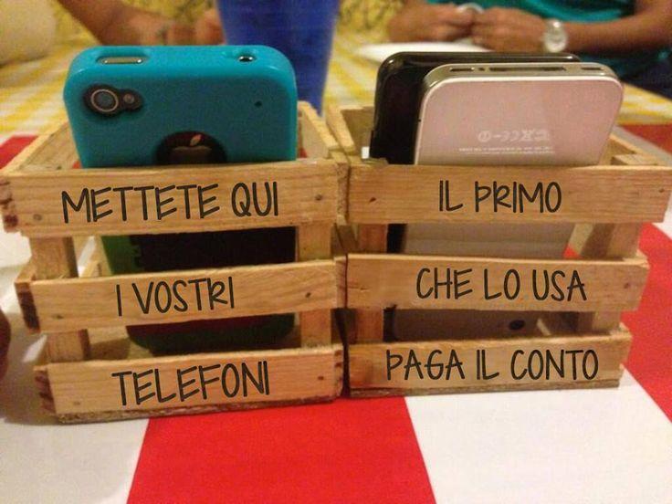 Ottima idea per non far usare il telefonino al ristorante ... L'unica controindicazione è che i tavoli rimarrebbero pieni fino a alla chiusura del ristorante!