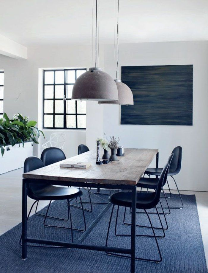 1-table-carrée-salle-à-manger-contemporaine-avec-tapis-gris-et-murs-blancs-lustres-modernes1.jpg (700×916)