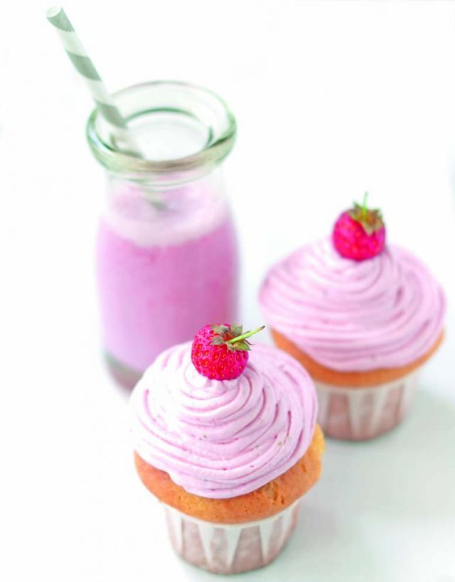 Cupcake rosa alla fragola e limone http://www.cucina-naturale.it/ricette/dettaglio/cupcake_rosa_alla_fragola_e_limone