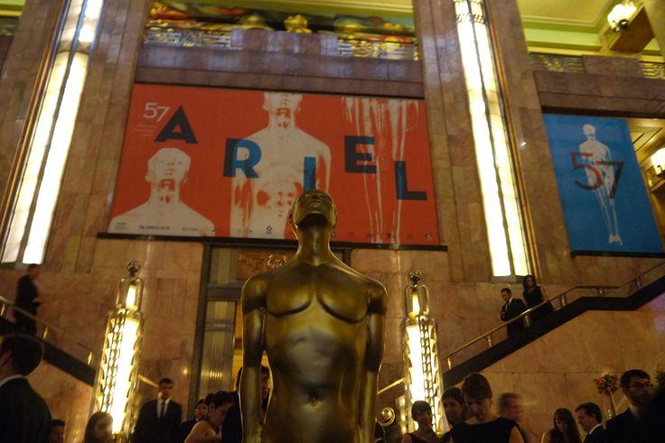 Los 159 nominados a la 59 Edición al Premio Ariel posan para la foto y platican con Homocinefilus antes de la austera, solemne y politizada ceremonia en el Palacio de las Bellas Artes. Aquí todas, las 15 entrevistas
