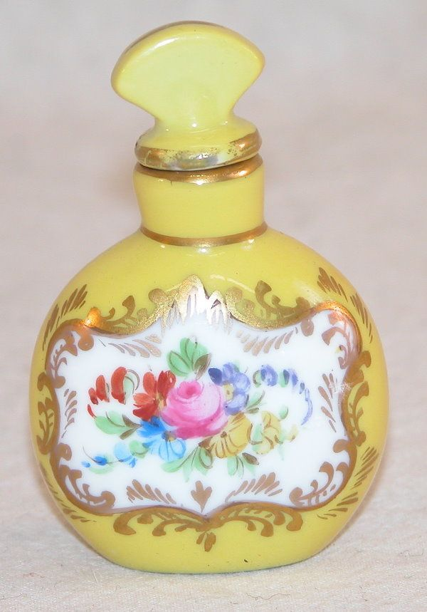 17 best images about beautiful perfume bottles on pinterest bottle opaline and antiques. Black Bedroom Furniture Sets. Home Design Ideas