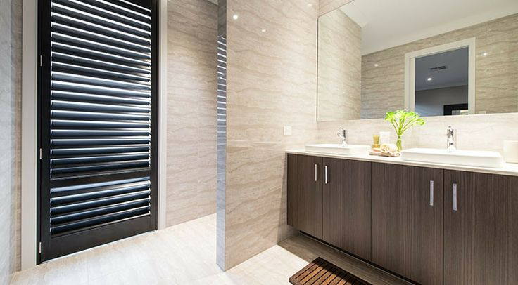 The master ensuite is a lovely, fresh space perfect for pampering. #bathroom #ensuite