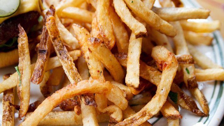 Patatine fritte causano il cancro, cibi che fanno male alla salute mangiare sano