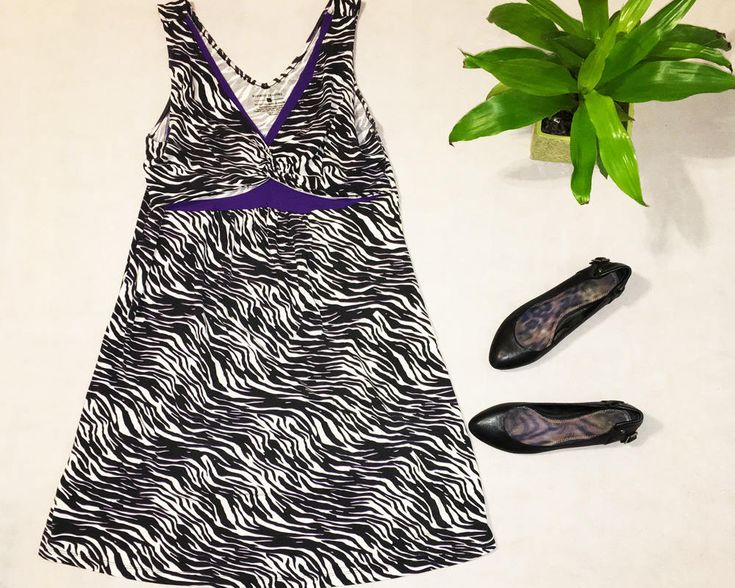 Mixedprints Studio🌵 Here's the latest addition to my #etsy shop: Zebra Print Purple Dress / V-Neck / Women's Large / Short Dress / Summer Dress / Bamboo Traders http://etsy.me/2Cnj4kq #clothing #women #dress #black #purple #l #zebraprint #womenslarge #shortdress