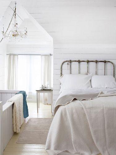 best 25 attic bedroom decor ideas on pinterest