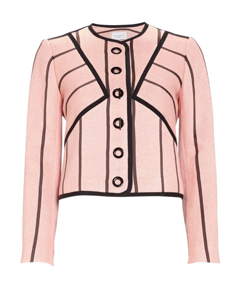 Fashion and Business Bylian  Valentine blazerjasje van Sandro, vervaardigd uit een luxueuze linneblend en uitgevoerd in een lieflijk roze kleur. Het stijlvolle ontwerp is geheel gevoerd en heeft een sluiting van grote ringen en twee haakjes. Daarnaast is het jasje voorzien van een ronde halslijn en lange mouwen en zorgen het zwarte tapework en het grafische streepdessin voor een eigentijdse look.