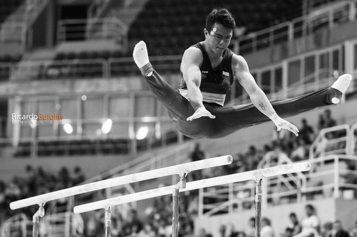JOSSIMAR CALVO MORENO - COL  #rio2016 #fig #cbg #cob #canon #colombia #col #gymnastics #artistic #ginastica #artistica #sport #olympic #gymnasia #parallel #bars #barras #paralelas #sportphotography #cpscanon