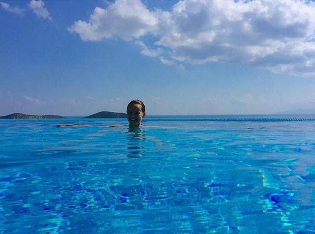 Our friend @kecabiserka send us her moments at Elounda Gulf Villas & Suites! #InfinityPool #EloundaGulf