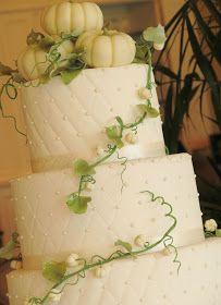 Happy Cakes Bakes: White Pumpkin Wedding Cake