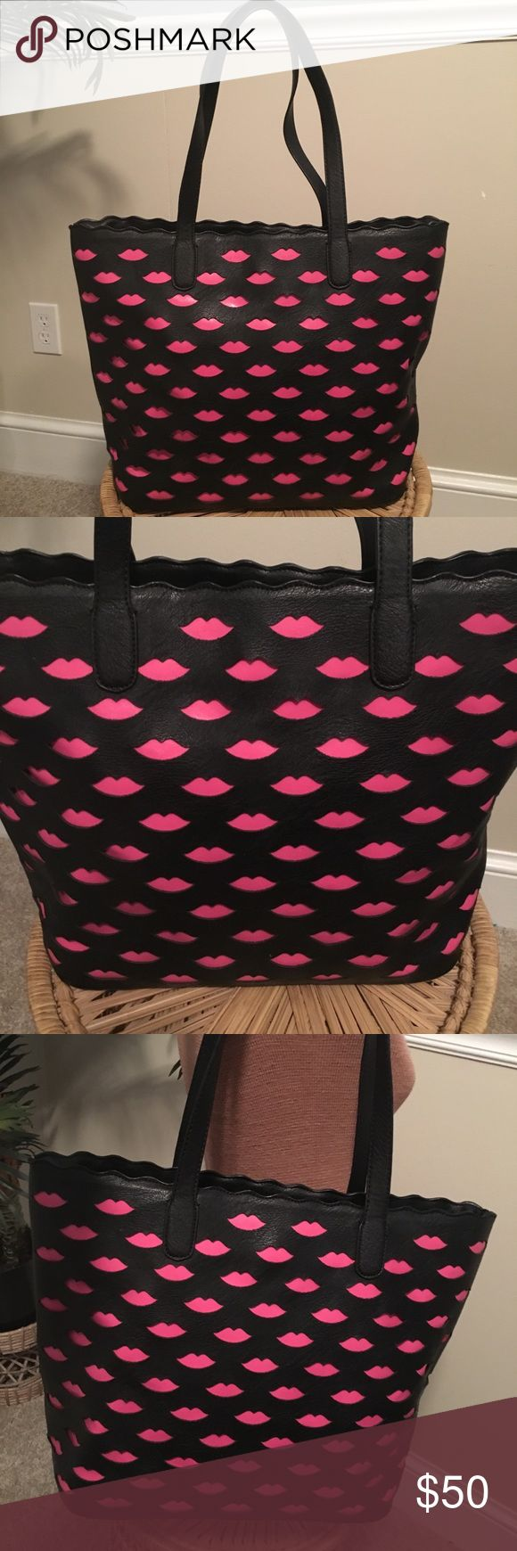 MELIE BIANCO Excellent, like new condition ♥️ Melie Bianco Bags Totes