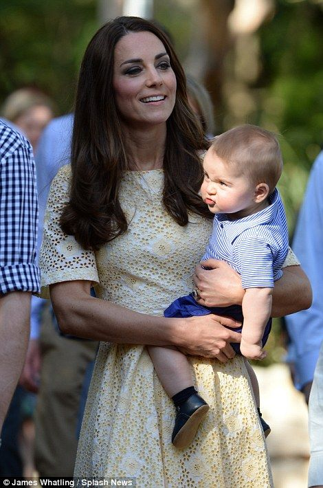 Kate and Wills appear to enjoy Sydney zoo just as much as George as the duchess discovers that Koalas really do smell of eucalyptus | Mail Online
