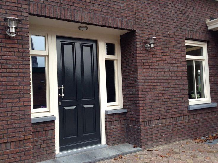 Nieuwbouw woning met stijlvolle entree.HBI voordeur.