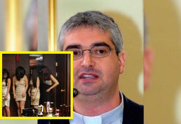 Sacerdote tenía 15 mujeres a su servicio para tener sexo a cualquier hora, en plena parroquia - Info Noticias