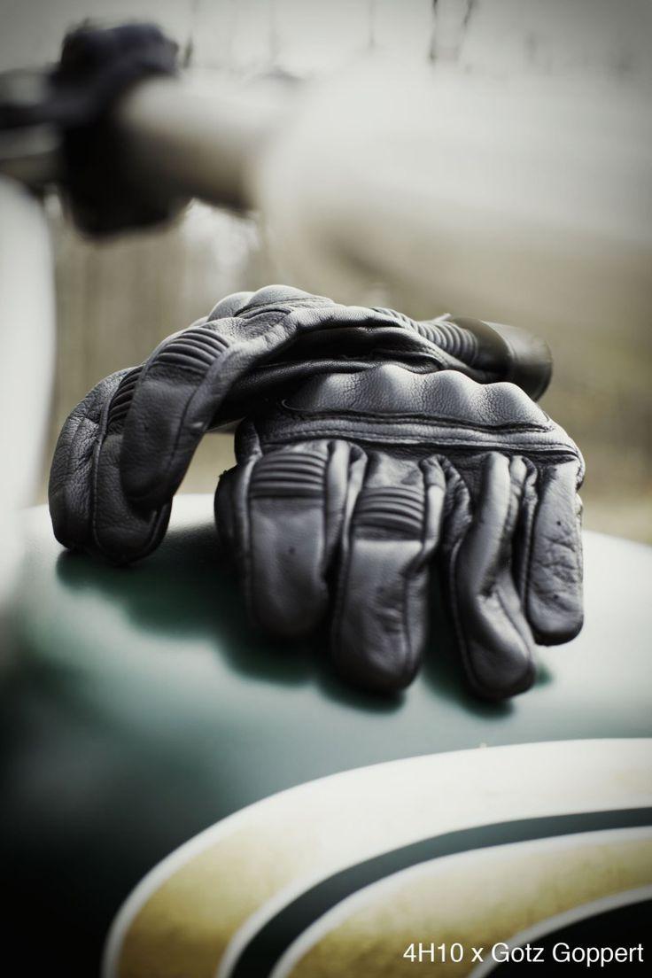 Aujourd'hui nous allons nous pencher sur les gants James de la marque francaise Furygan. Vous commencez à nous connaître, nous…