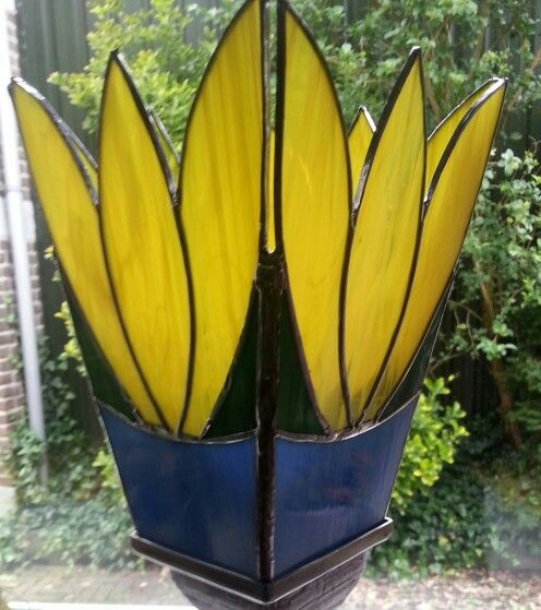 Tulp lamp op pot