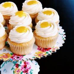 meyer lemon cupcakes + lemon curd + mascarpone frosting
