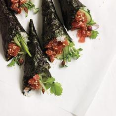 Spicy Seattle Tuna Rolls (via foodily.com)