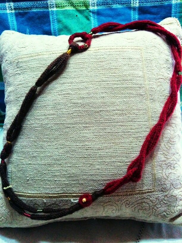 Knitted (i-cord/tricotin) necklace in brown and red with small details
