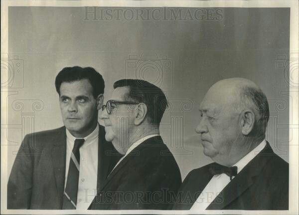 Chicago Outfit's Boss of North Lake and Stone Park areas in the CV 1960's, Rocco Pranno (far left) with lawyers.